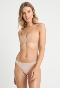 DKNY Intimates - CLASSIC TAILORED THONG - String - cashmere - 1