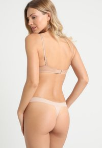 DKNY Intimates - CLASSIC TAILORED THONG - String - cashmere - 2