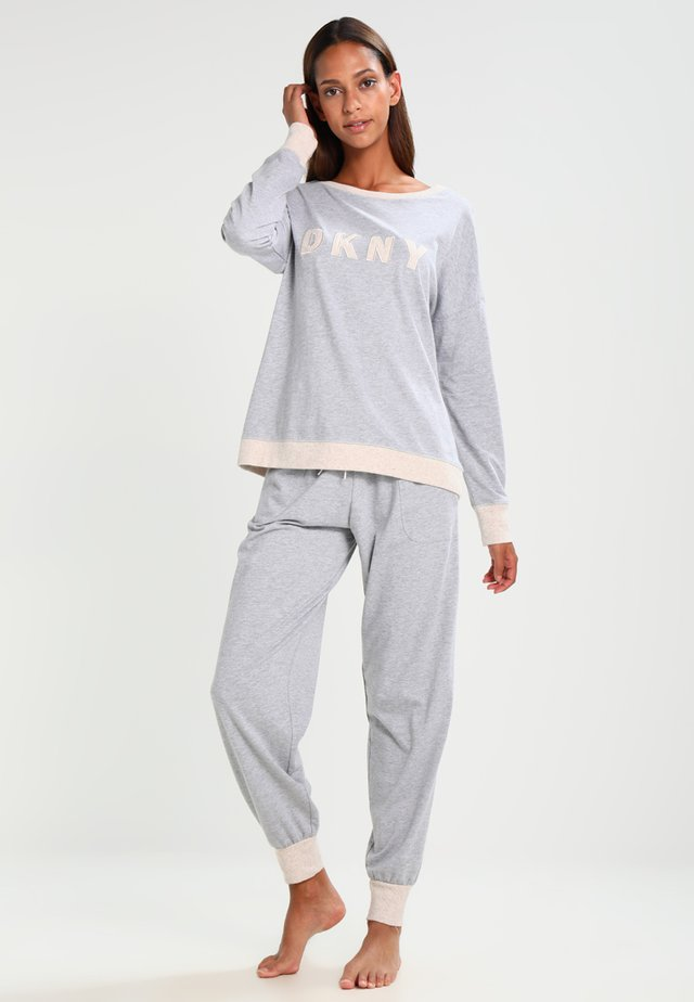Pyjamas - pale grey heather