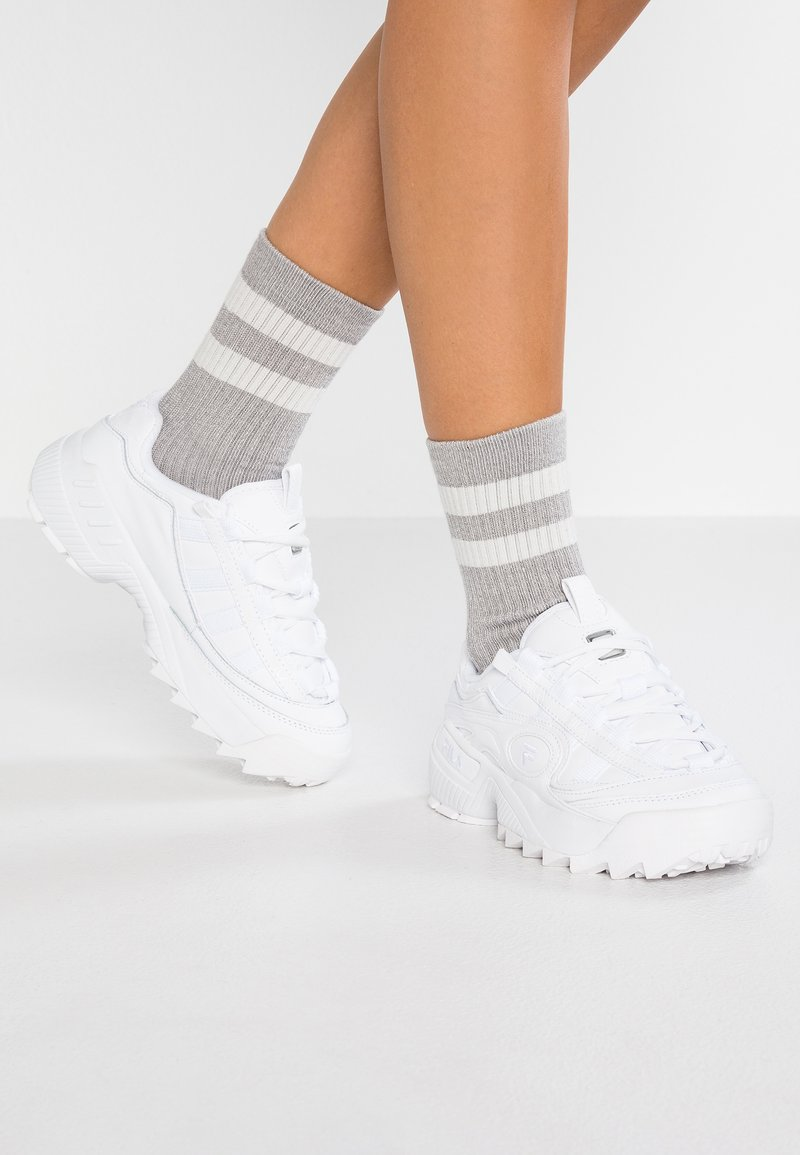 Fila - D FORMATION - Sneakers basse - white