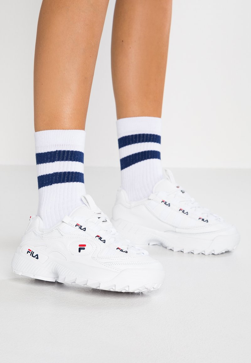 Fila - D FORMATION - Sneakersy niskie - white/navy/red