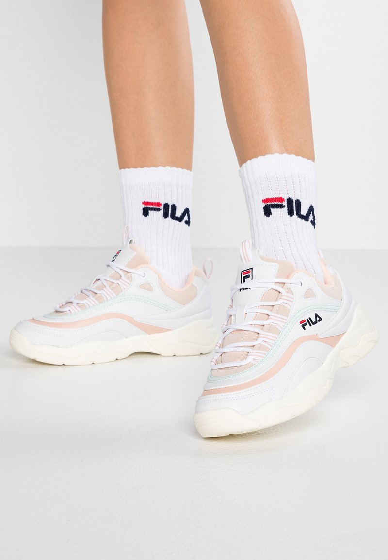 Fila - RAY - Sneaker low - white/spanish villa/morning mist