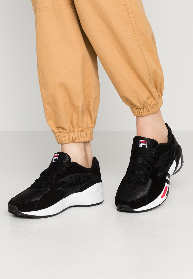 Fila - MINDBLOWER - Trainers - black/white/red