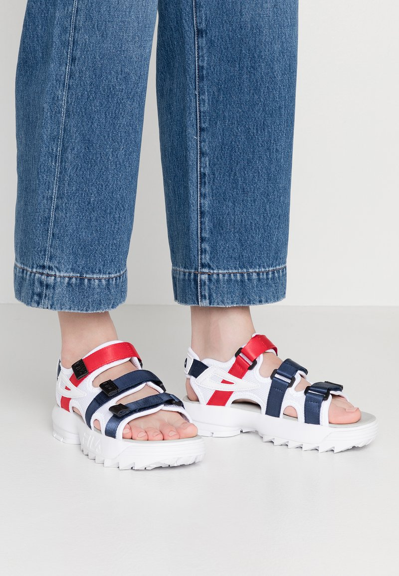 Fila - DISRUPTOR - Plateausandalette - white/navy/red