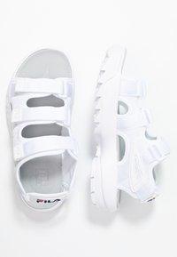 Fila - DISRUPTOR - Sandály na platformě - white - 3