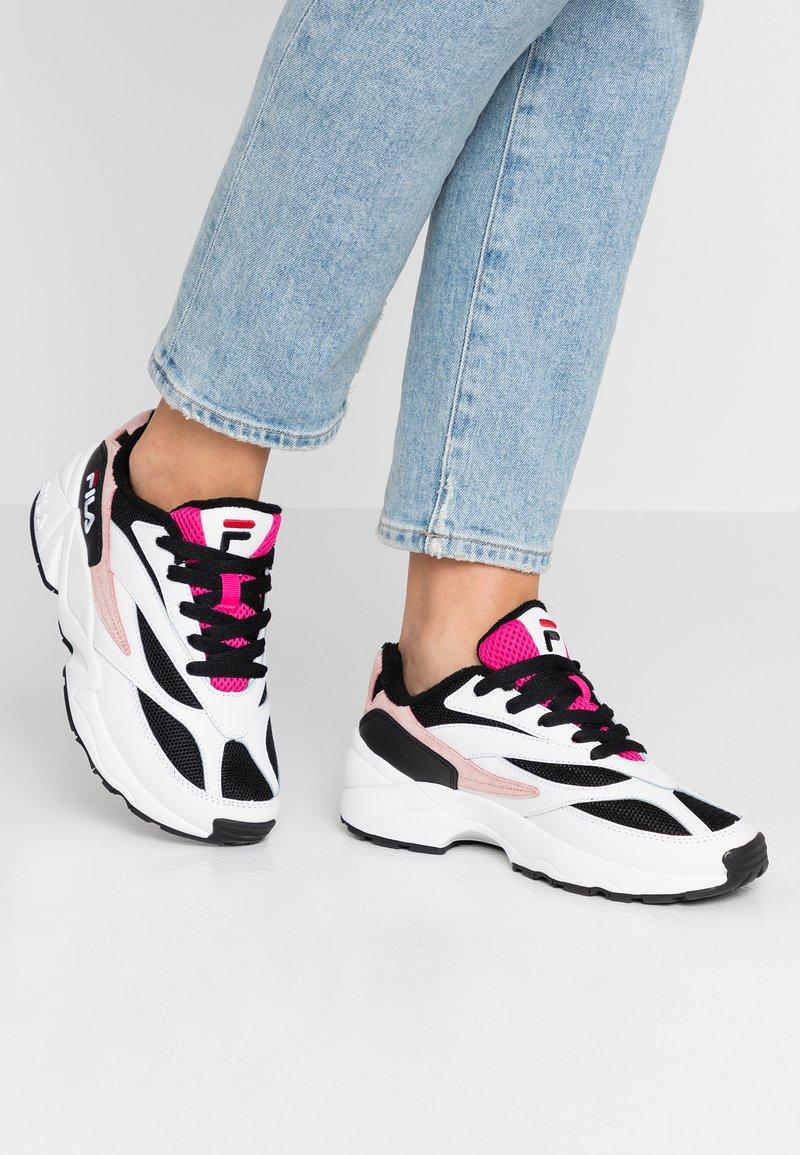 Fila - V94M - Trainers - white/black/quartz pink