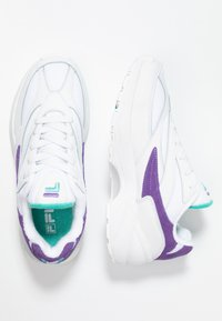 Fila - V94M - Sneakers laag - white/violet tulip/blue curacao - 3