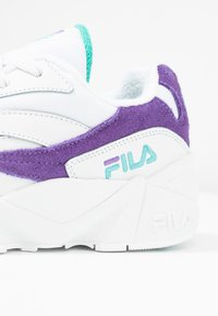 Fila - V94M - Sneakers laag - white/violet tulip/blue curacao - 2