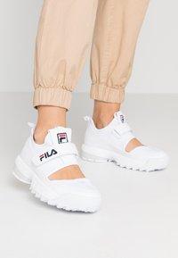 Fila - DISRUPTOR - Baskets basses - white - 0