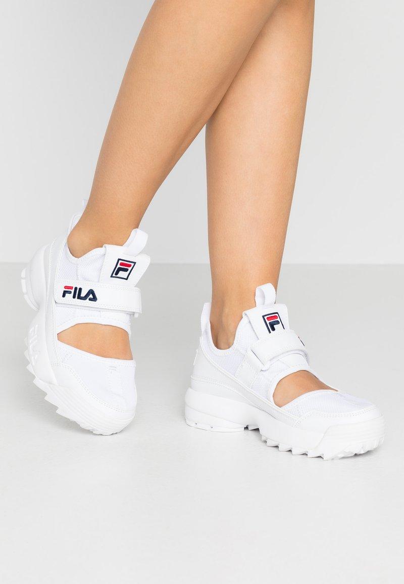 Fila - DISRUPTOR - Baskets basses - white