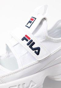 Fila - DISRUPTOR - Baskets basses - white - 2