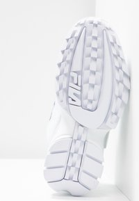 Fila - DISRUPTOR PATCHES - Baskets basses - white - 6