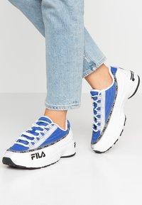 Fila - DSTR97 - Tenisky - white/electric blue - 0