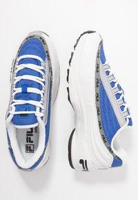 Fila - DSTR97 - Tenisky - white/electric blue - 3