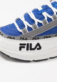 Fila - DSTR97 - Tenisky - white/electric blue - 2