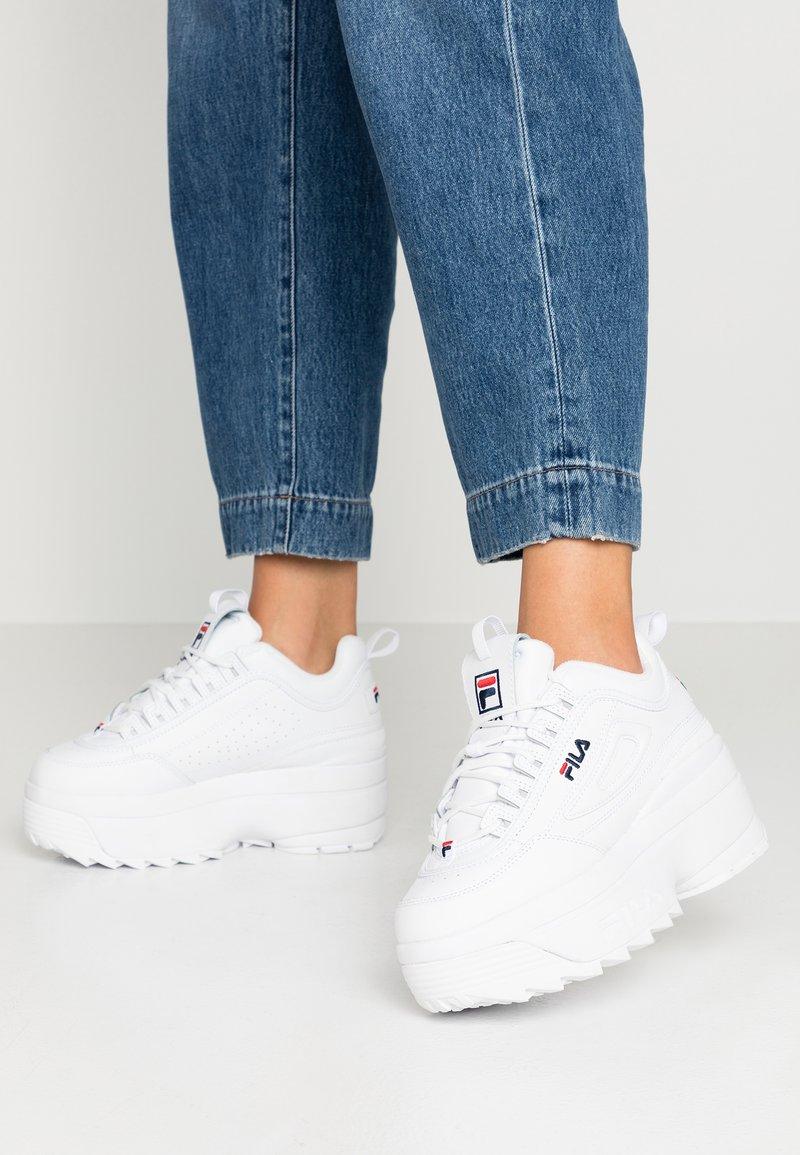 Fila - DISRUPTOR  - Sneaker low - white/navy/red