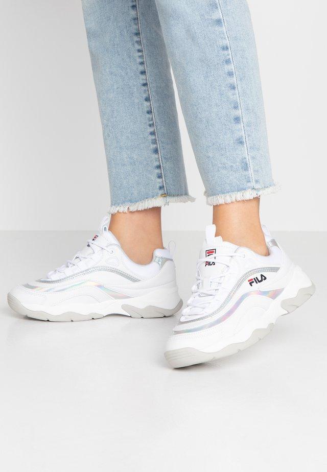 RAY - Sneakersy niskie - white/silver