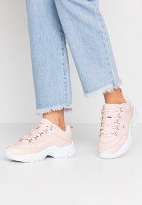 Fila - STRADA - Sneakers - rosewater - 0