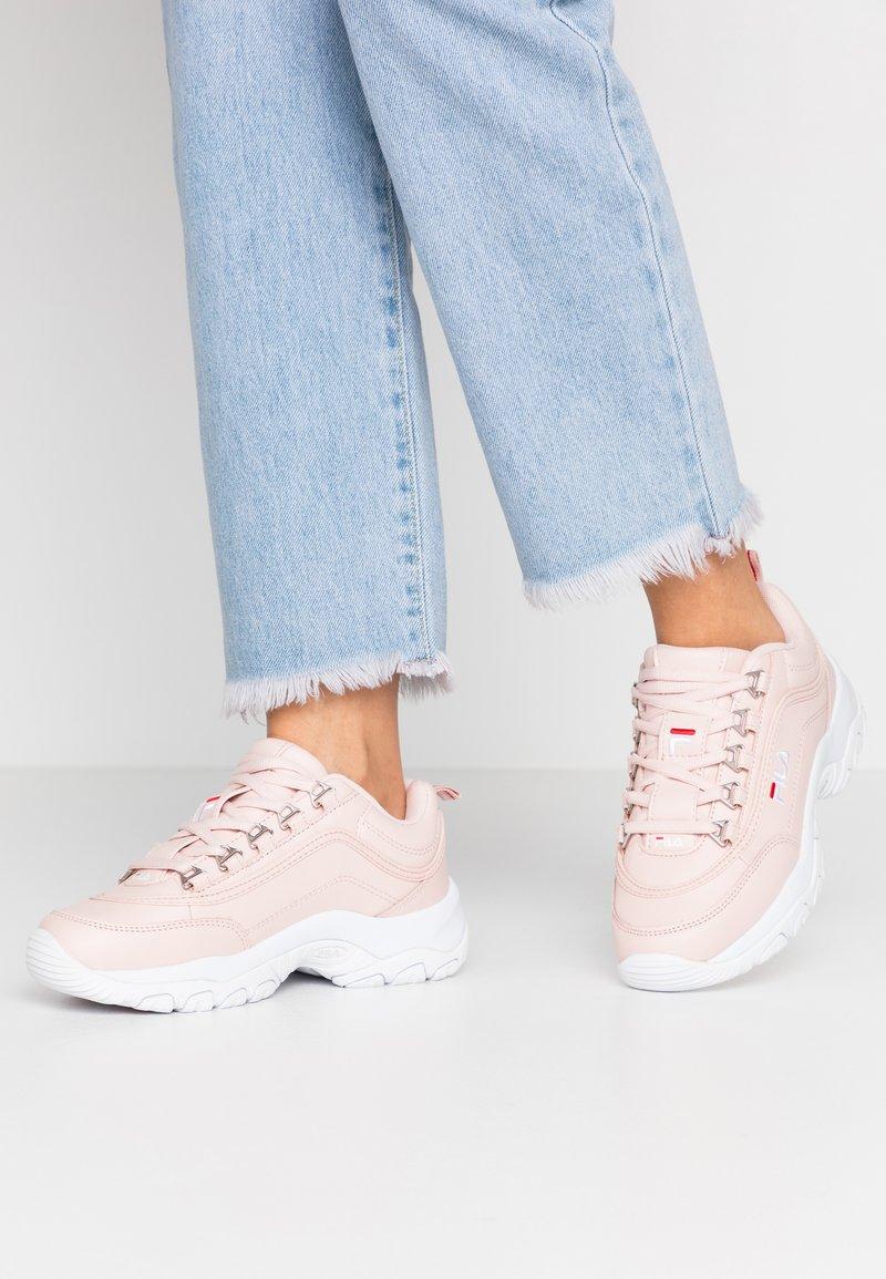 Fila - STRADA - Sneakers - rosewater
