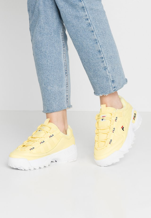 D-FORMATION - Sneakers laag - limelight