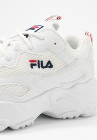Fila - RAY TRACER - Sneakers laag - white - 2