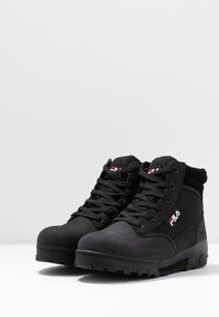 Fila - GRUNGE II MID - Ankle boots - black - 4