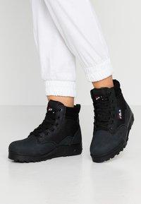 Fila - GRUNGE II MID - Ankle boots - black - 0