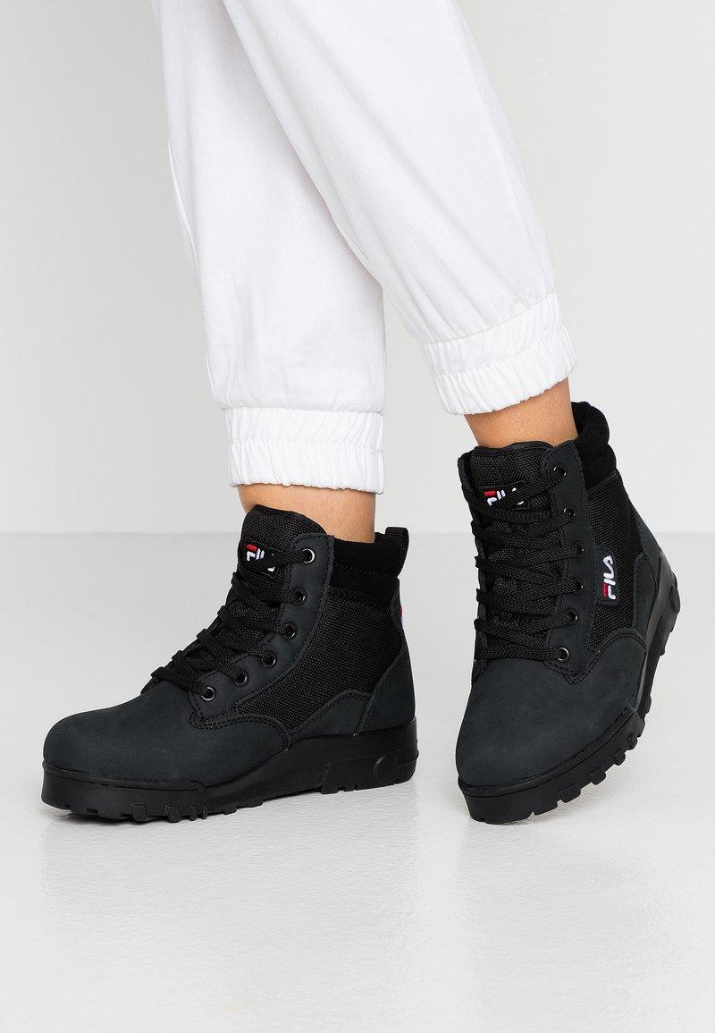 Fila - GRUNGE II MID - Ankle boots - black