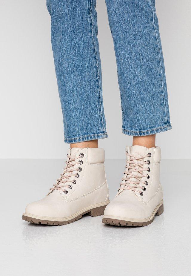 MAVERICK - Šněrovací kotníkové boty - oyster grey