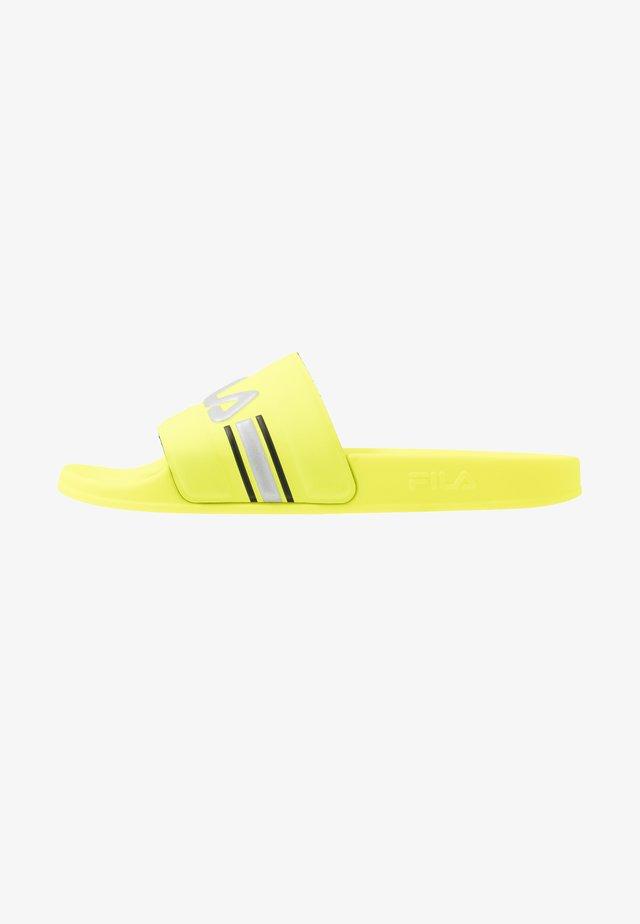 OCEANO - Pantolette flach - neon lime