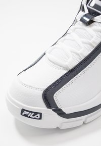 Fila - GRANT HILL 2 - Sneakers alte - white/navy/red - 5