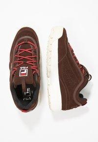 Fila - DISRUPTOR LOW - Sneakers - deep mahogany - 1