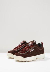 Fila - DISRUPTOR LOW - Sneakers - deep mahogany - 2