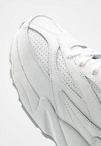 Fila - Zapatillas - white - 5