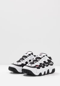 Fila - UPROOT - Sneakers - white/black - 2