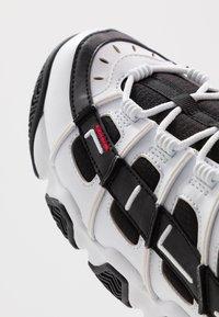 Fila - UPROOT - Sneakers - white/black - 5