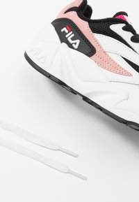 Fila - V94M - Sneakers basse - white/black/quartz pink - 6