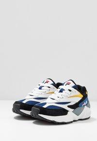 Fila - V94M - Sneakers basse - black/white/citrus - 3
