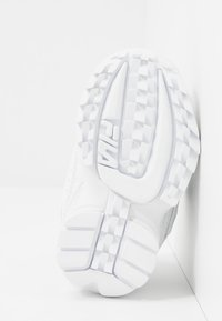 Fila - DISRUPTOR - Chaussures premiers pas - white - 5