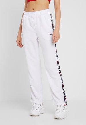 THORA TRACK PANTS - Pantaloni sportivi - bright white
