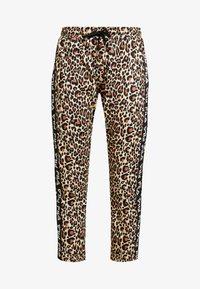 Fila - PANIZ CROPPED PANTS - Teplákové kalhoty - brown - 3