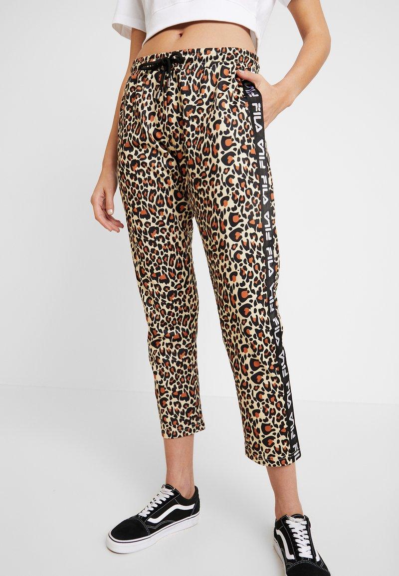 Fila - PANIZ CROPPED PANTS - Teplákové kalhoty - brown