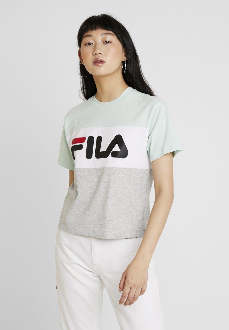 Fila - ALLISON TEE - Print T-shirt - light grey melange/bright white/mist green