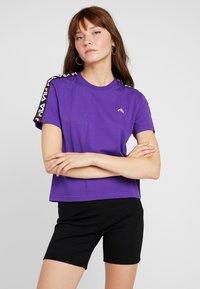 Fila - ADALMIINA TEE - T-shirt imprimé - tillandsia purple - 0