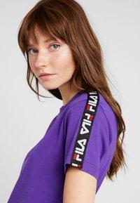 Fila - ADALMIINA TEE - T-shirt imprimé - tillandsia purple - 4