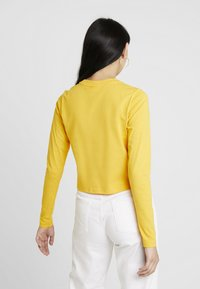 Fila - CROPPED LONG SLEEVED - Long sleeved top - citrus - 2