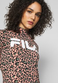Fila - EVERY - Print T-shirt - lobster bisque - 4