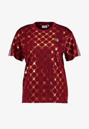 ROSALIA AOP TEE - T-shirt med print - rhubarb-mandarin orange allover