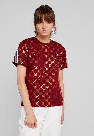 ROSALIA AOP TEE - T-shirt imprimé - rhubarb-mandarin orange allover