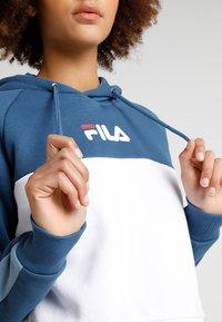 Fila - LANDERS HOODED - Bluza z kapturem - ensign blue/blue shadow - 5